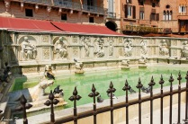 Siena - Fontana di Piazza del Campo