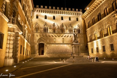 Siena - Palazzo Salimbeni