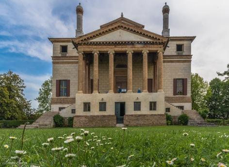 Villa Foscari, prospetto anteriore
