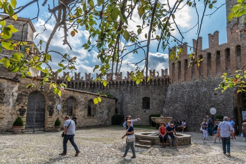 Mastio e Borgo di Vigoleno